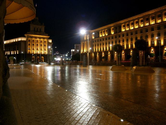 Площад Независимост в София - поглед към Народното събрание и Президентсвото