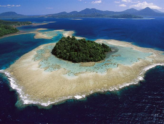Снимка на част от Галапагоските острови, гледани от въздуха.