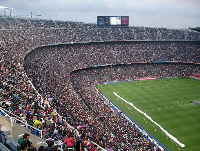 Камп Ноу е най-големият стадион в Европа и сред забележителностите на Барселона.