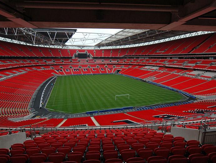 Определено Уембли е най-известният стадион в Англия. На снимката е вътрешната част на стадиона.