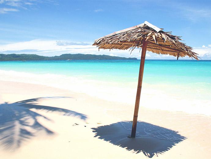 Белият плаж на Боракай във Филипините е сред най-красивите в света.