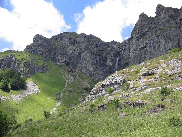 Райското пръскало в Стара планина - най-високият водопад на Балканите