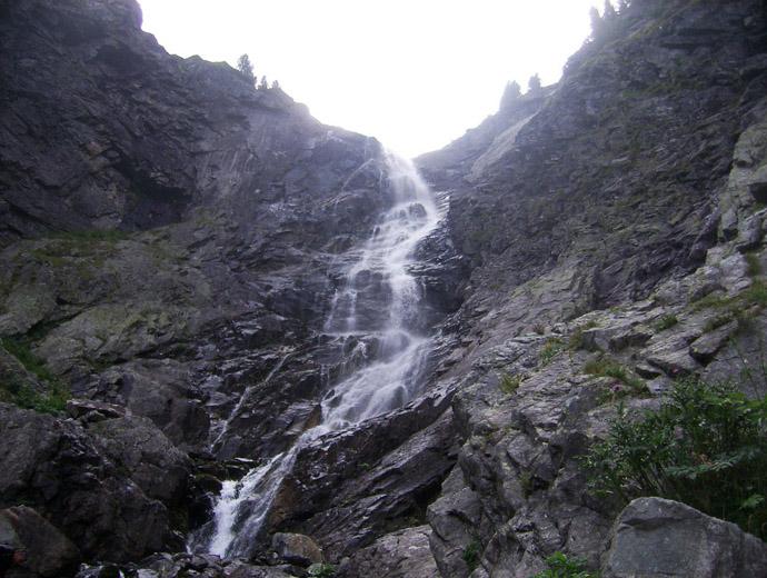 Водопад Скакавица в Рила - едно от най-интересните места в планината. Намира се близо до Седемте рилски езера.