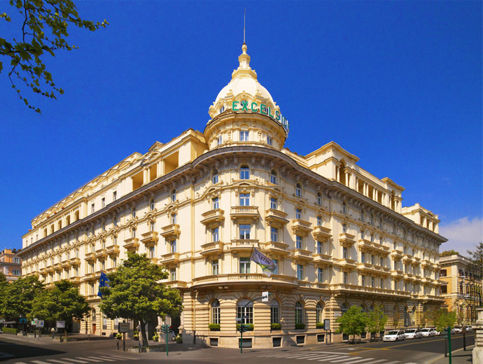 Външен изглед към хотел Westin Excelsior в Рим, Италия.