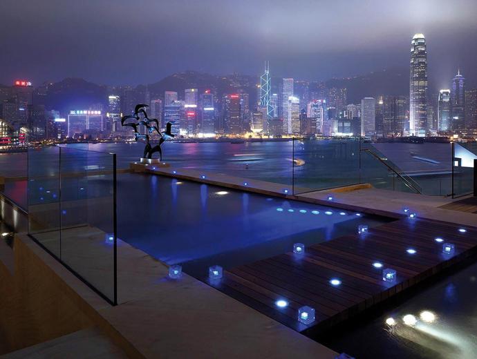 Страхотната панорамна гледка от хотел InterContinental -  Хонконг