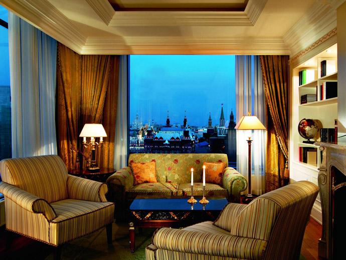 Мебелите в царски руски стил в най-скъпия апартамент на Ritz-Carlton - Москва
