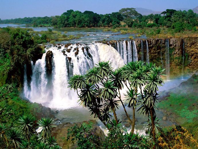 Водопадът на Сини Нил е сред най-известните места, за туристи, в Етиопия