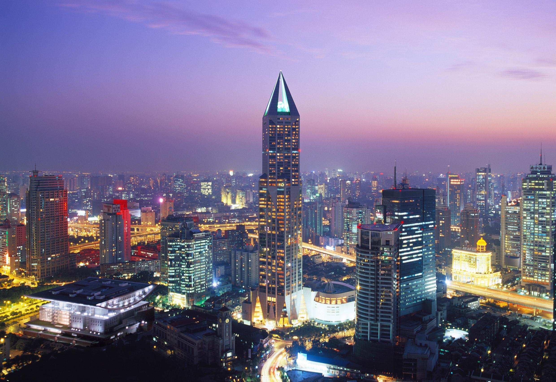 Нощна снимка на Шанхай.