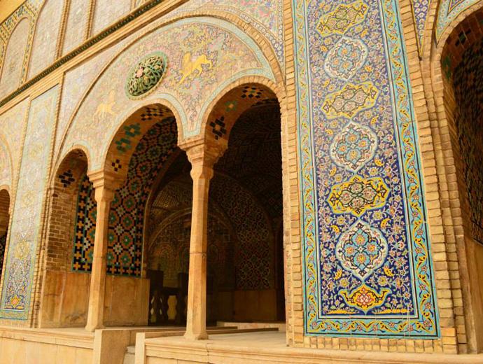 Пищно украсения дворец Голестан в Иран.