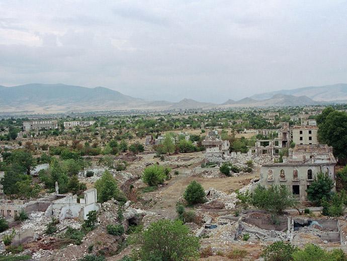 Останките на призрачния град Агдам в Азербейджан