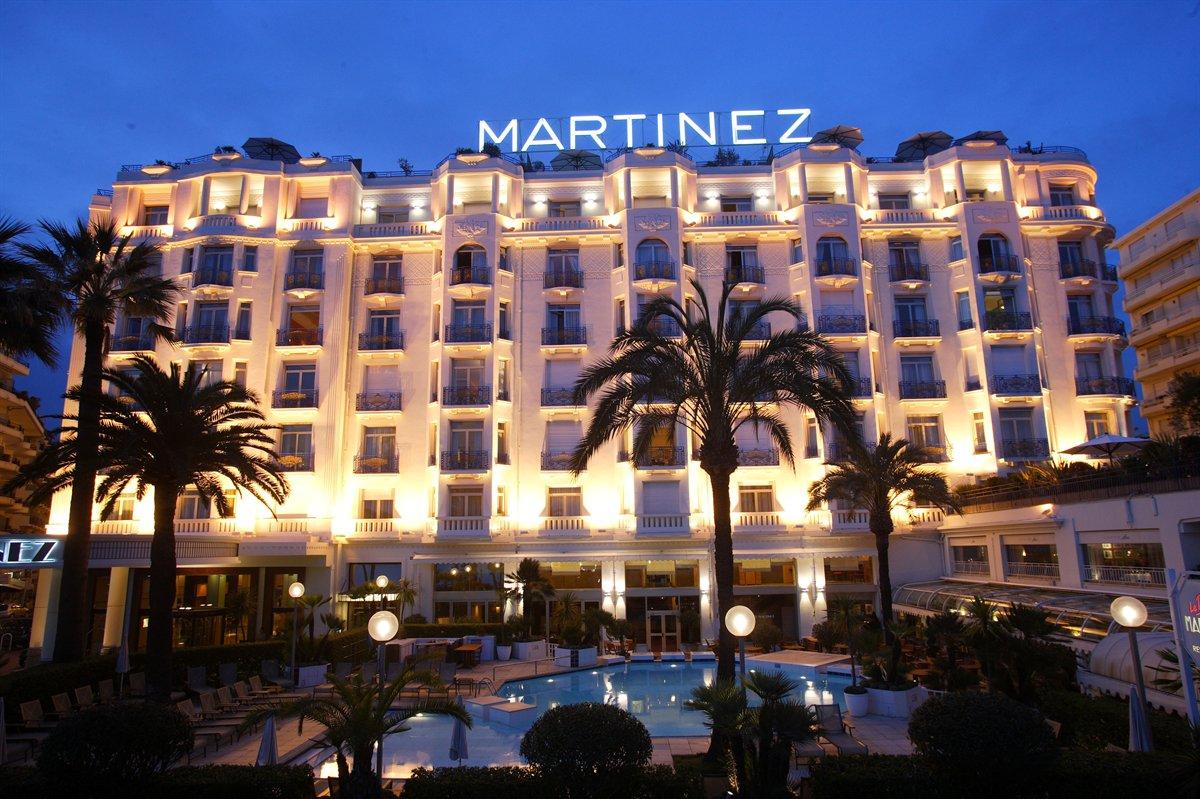 Hotel Martinez в Кан, Франция е предпочитано място за филмовите звезди по време на Фестивала в Кан.