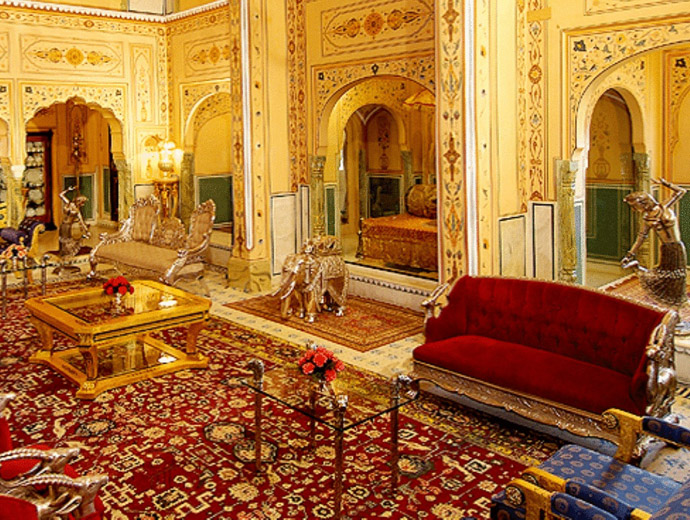 Част от несравнимото обзавеждане на бившата резиденция на Махараджата в Джайпур, Индия.