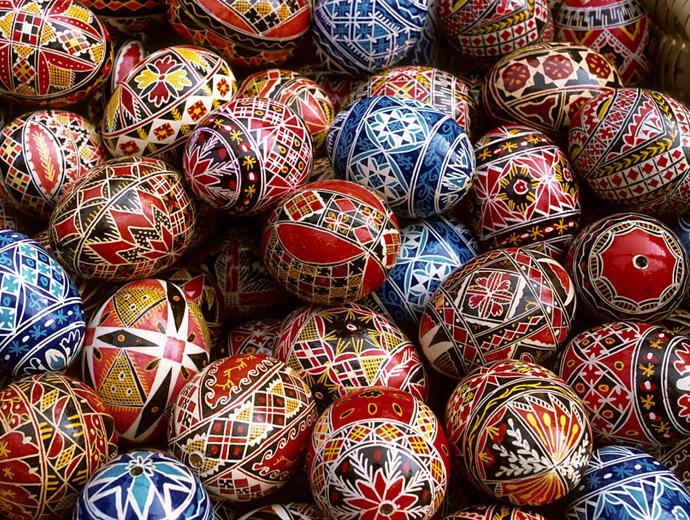 Великденските яйца - Важна част от Великден в повечето държави.