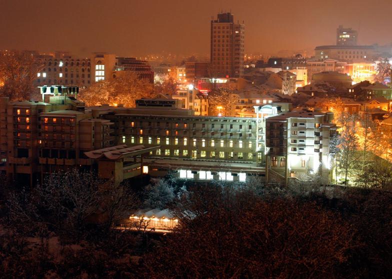 Велико Търново през нощта